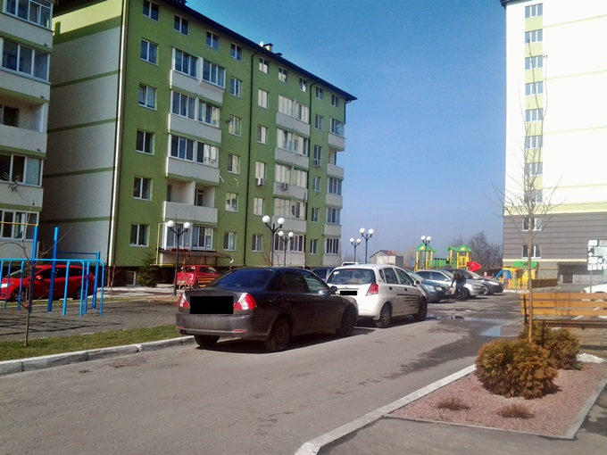 ЖК «Смарагдове мисто» парковка