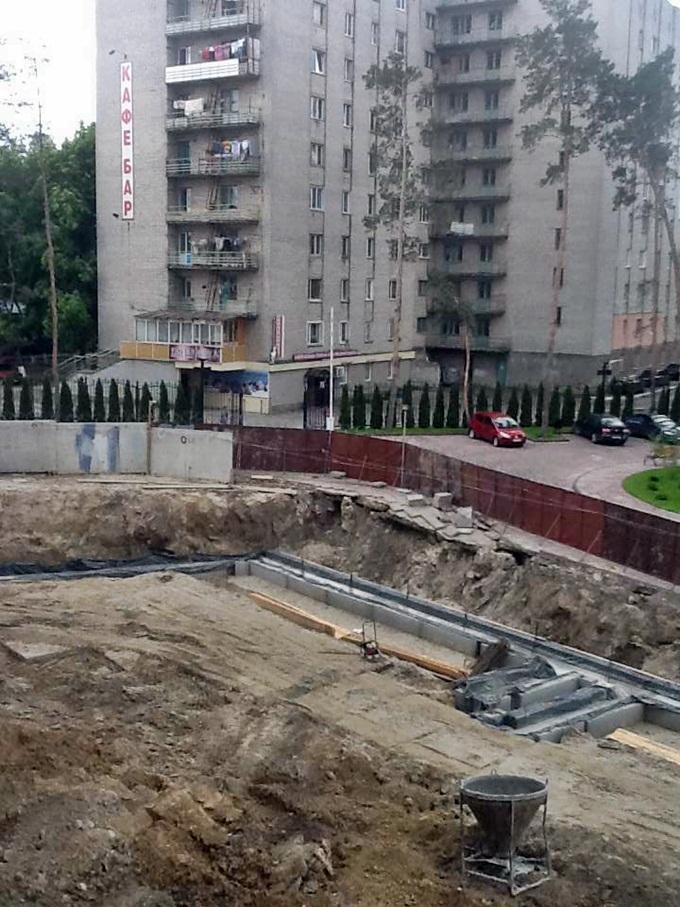 ЖК Эко Парк в Петропавловской Борщаговке паркинг