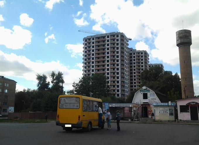 ЖК «Солнечный» в Борисполе вид с вокзала на комплекс