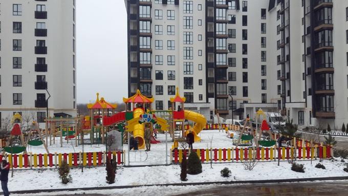 Год спустя: ЖК «Уютный квартал» детская площадка