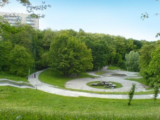Новостройки возле парков Соломенский лесопарк
