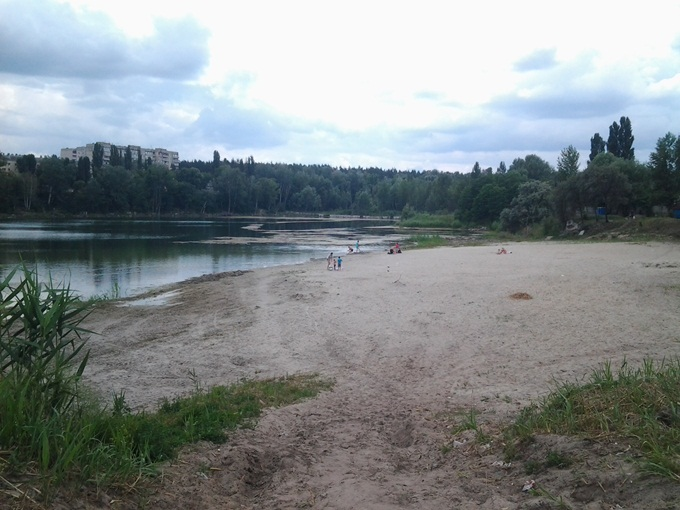 ЖК Ирпенские Липки-2 озеро с пляжем