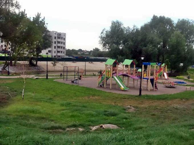 ЖК Озерный Гай Гатное детская площадка