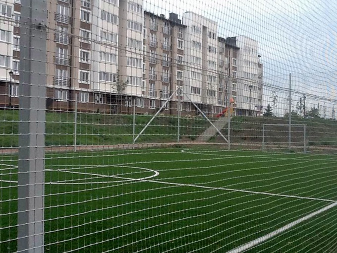 ЖК Озерный Гай Гатное спортивное поле
