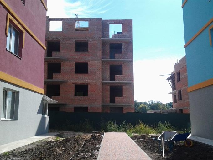 Дома 2 «квартала» ЖК Family еще строятся