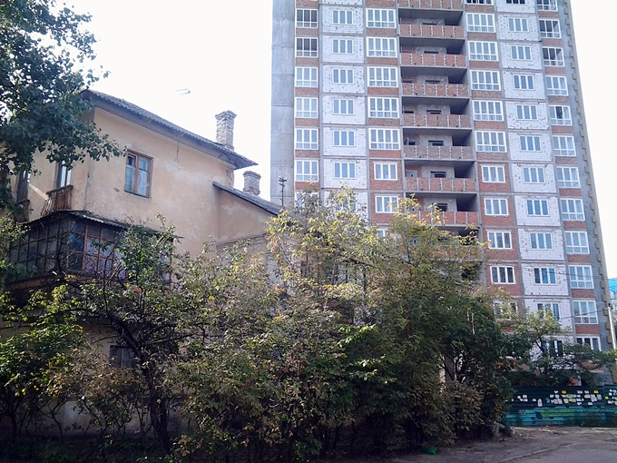 ЖК на Краковской 27-а соседи