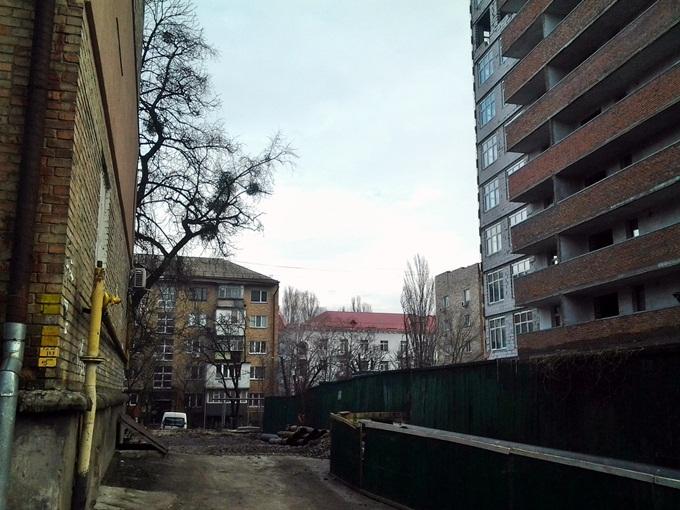 ЖК Голосеевский дворик соседи