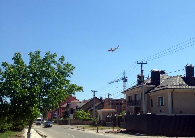 ЖК Волошковый в Софиевской Борщаговке самолеты