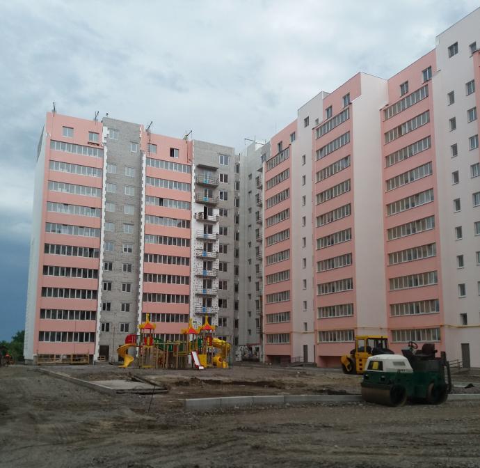 ЖК Лелека 3 в Борисполе двор и фасад