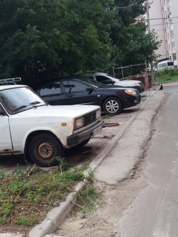 ЖК Лелека 3 в Борисполе парковка