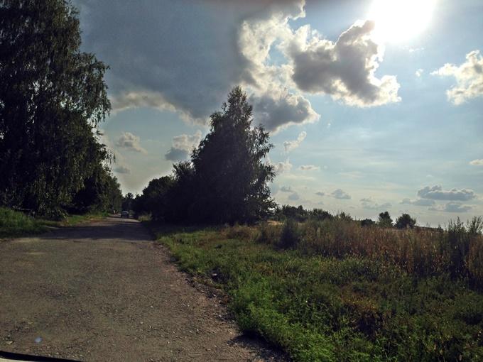 КГ Вилладжио в Белогородке грунтовая дорога