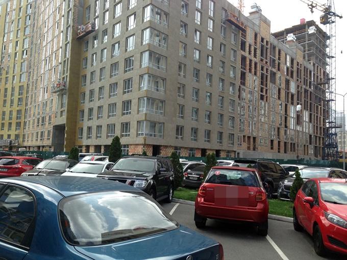 ЖК Малахит Интергал буд парковка