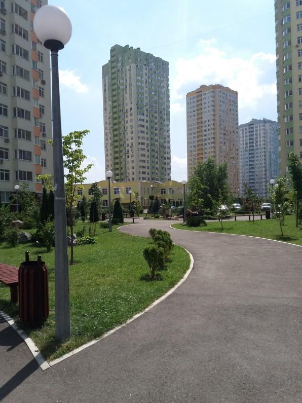 ЖК Парковые озера двор