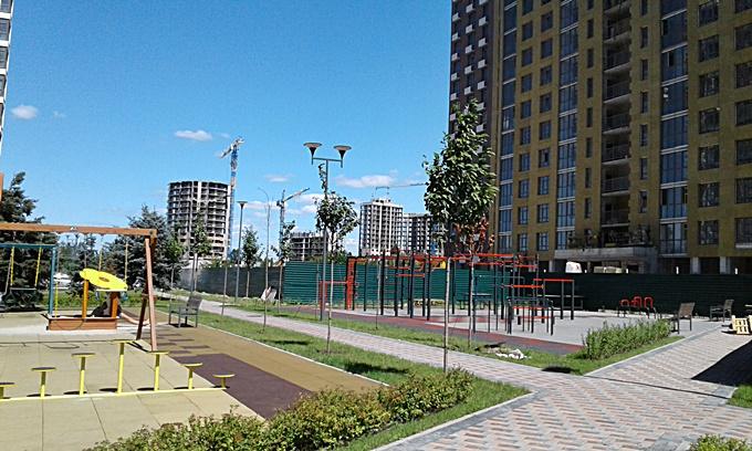 ЖК Парковый квартал Мисто Квитив детская площадка