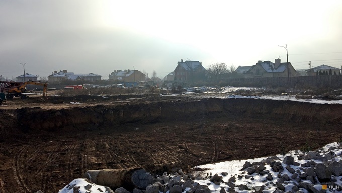ЖК Садочок в Новоселках начальный этап хода строительства