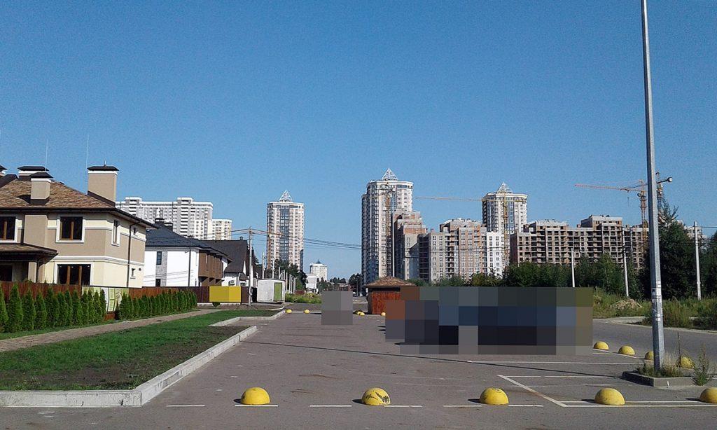 КГ Эко полис Оксамыт в Броварах наземный паркинг