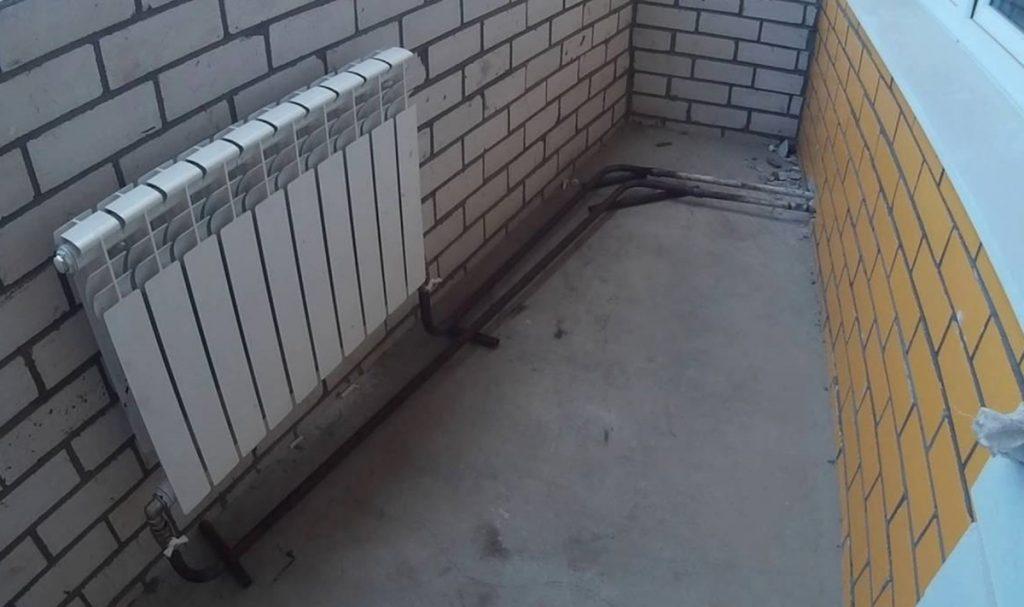 Пример выноса радиаторов отопления на лоджию/балкон