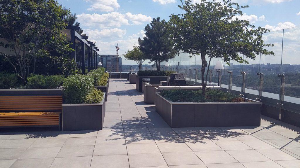 ЖК Tetris Hall вид зоны отдыха на крыше