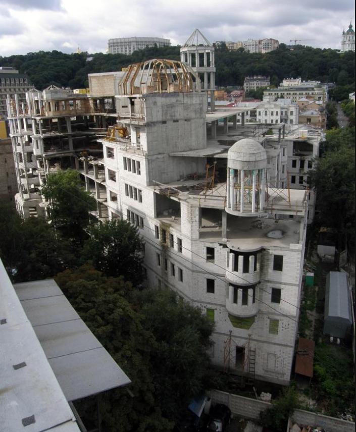 ЖК ANDRIYIVSKY City Space недострой 3 года назад